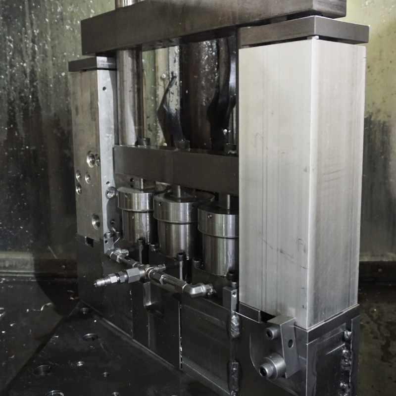 custom-hydraulic-fixtures5