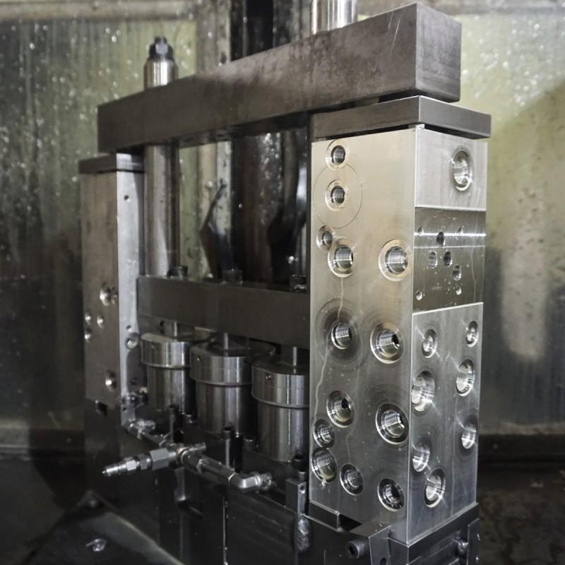 custom-hydraulic-fixtures6